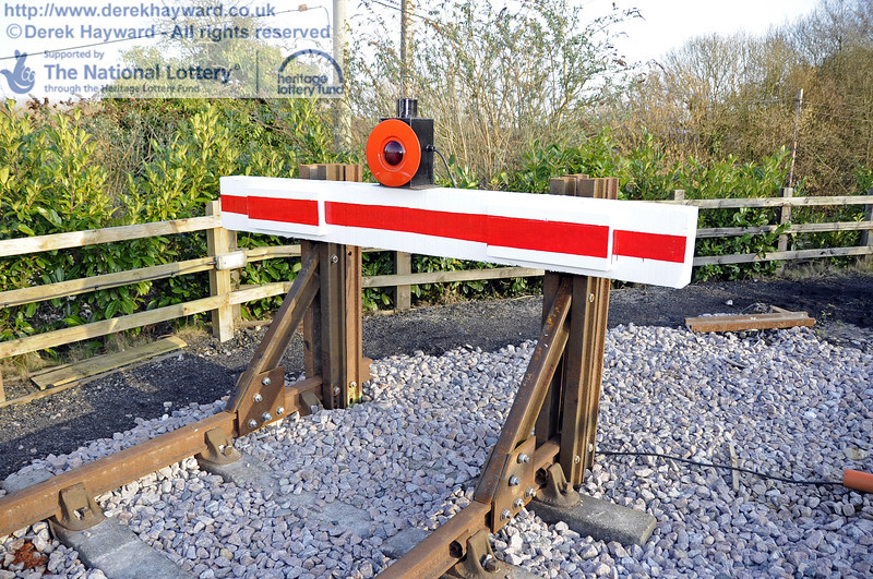 The newly painted buffer on the headshunt.  10.03.2012  3813
