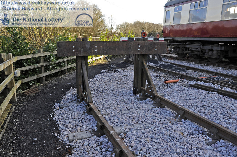 The new buffers at the southern end of the headshunt.  19.02.2012  3627