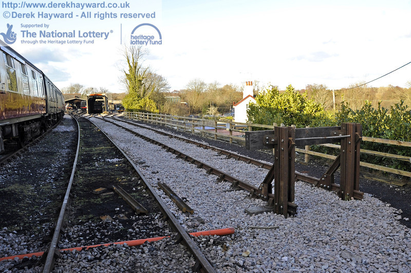 The new buffers at the southern end of the headshunt.  19.02.2012  3630