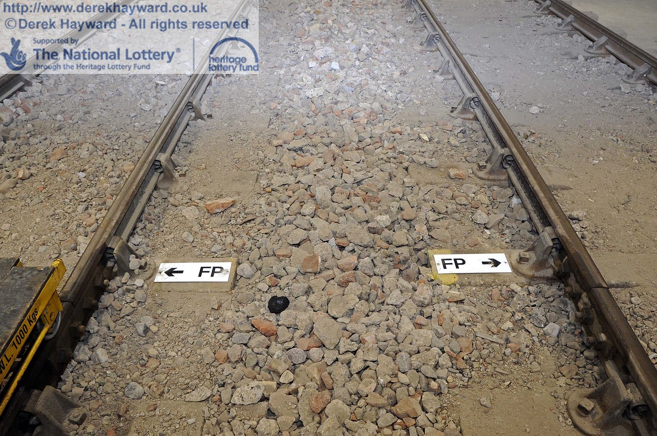The Fouling Points have now been marked.  This is the point at which any stock south of the Fouling Point would foul access to the other tracks.  As the shed is a siding/yard, the FP is at the physical fouling point.  If it was a signalled move, it would be 16 feet further back.  24.11.2011  3173