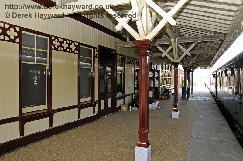The refurbished canopy on Platform 2, looking north.  25.03.2011  6547