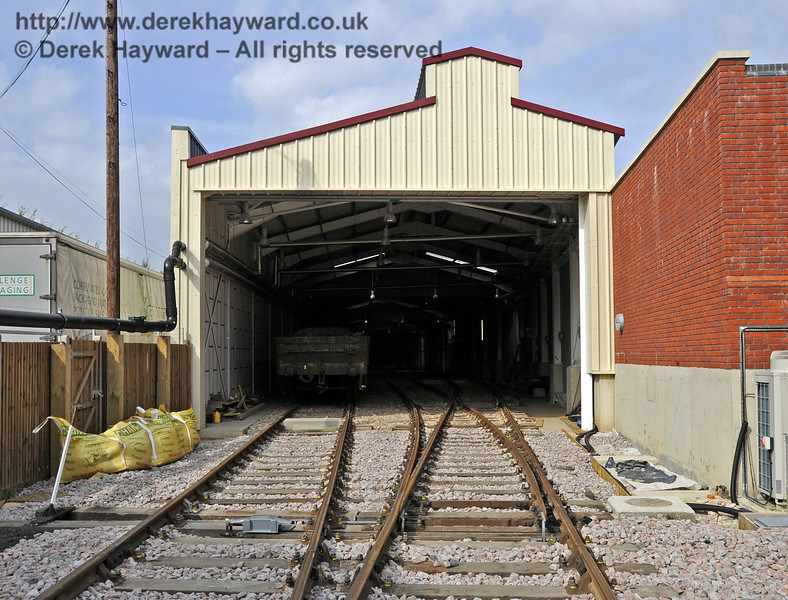 Looking north towards the Carriage Shed.  On the left is the track into A road, and on the right is the set of points where the track divides into B and C road.   24.09.2011  2873