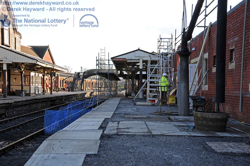 Scaffolding erected to allow the extension of the canopy on Platform 2. 18.01.2011  5551