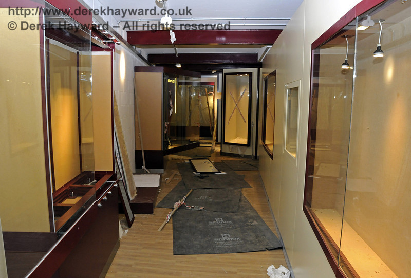 Fitting out of the Museum area continues.  25.03.2011  6522
