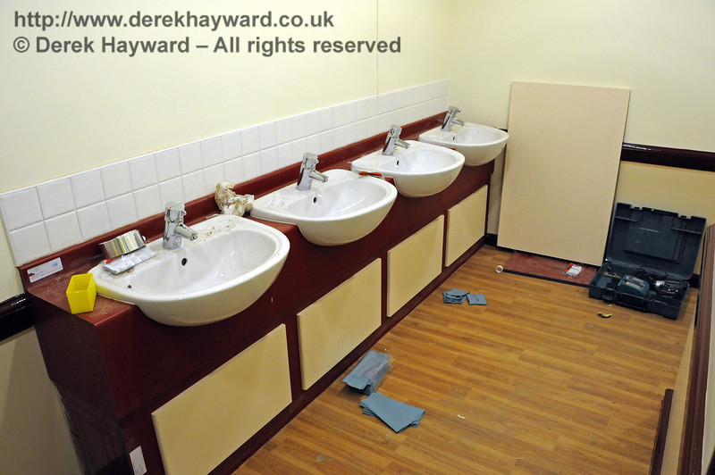 Basins are now being fitted in the toilets.  09.03.2011  6103