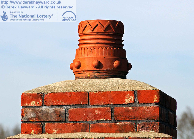 The chimney pot on the original chimney. 24.02.2011  6014