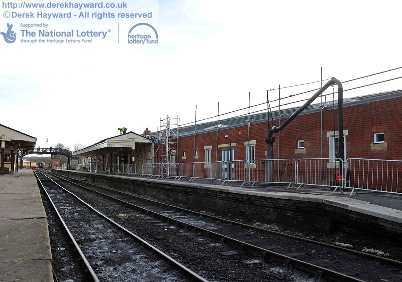 Looking south along Platform 2. The barriers were in place as the platform was open to passengers. 24.02.2011  6043