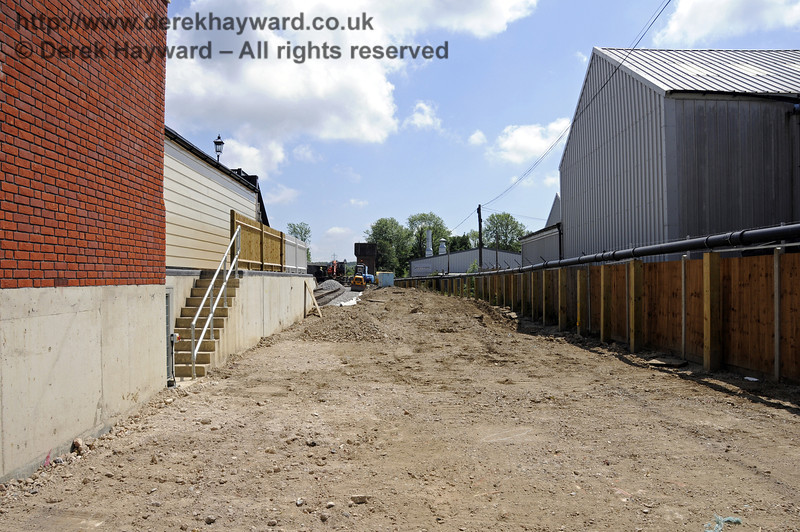 Looking south from the Carriage Shed entrance.  21.05.2011  7116