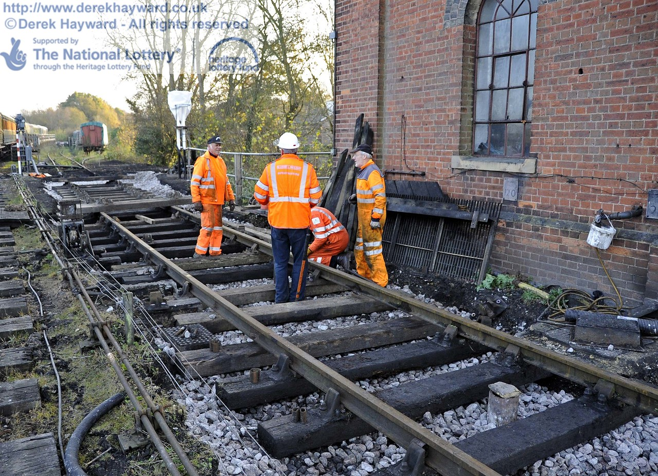 The old wash out pit has been filled in, and some new track panels were being laid to replace life expired items.  A new point is also to be installed to slightly lengthen the sleeping car siding. 24.11.2011  3160