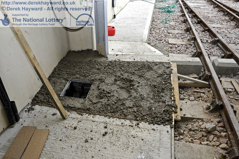 One of the final sections of concrete adjacent to the door.  20.03.2012  3886