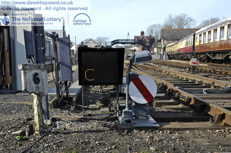 S&T were busy commissioning the signals, and adjacent to the 6 mile post the ground signal is shown in the Off position for road C in the carriage shed, which is the Pullman road (the eastern side).   25.03.2012  4148
