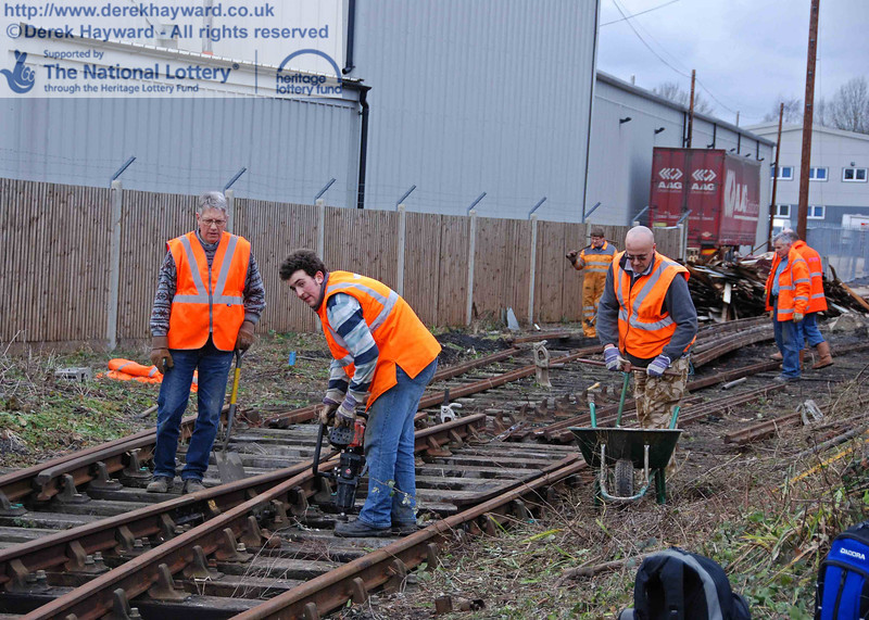 The PWay team get to work lifting the Woodpax sidings. 24.01.2010  0077