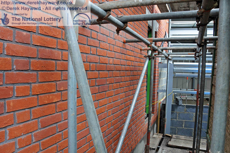 This is the northern boundary wall of the Museum, the view of which is still blocked by scaffolding. 27.09.2010  5049