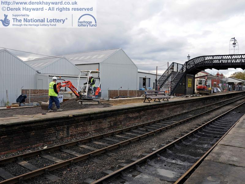 Looking north at the platform resurfacing work. 16.11.2010  5349