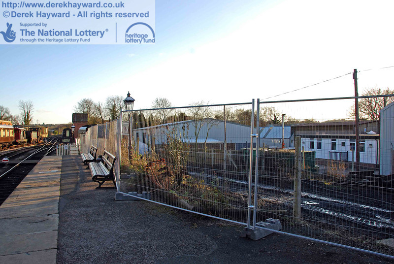 The southern part of Platform 2 has now been fenced. Please note that Platform 2 at Sheffield Park is currently closed to visitors. 30.01.2010  0177