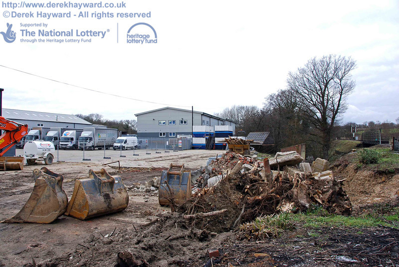 Debris is now being stacked and cleared. This view looks north. 24.01.2010  0010