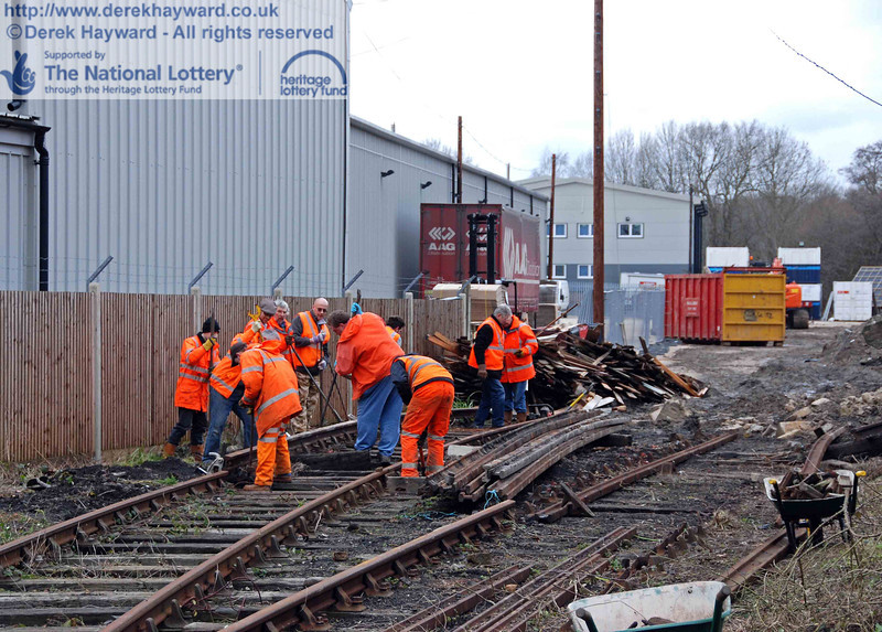 The PWay team get to work lifting the Woodpax sidings. 24.01.2010  0006