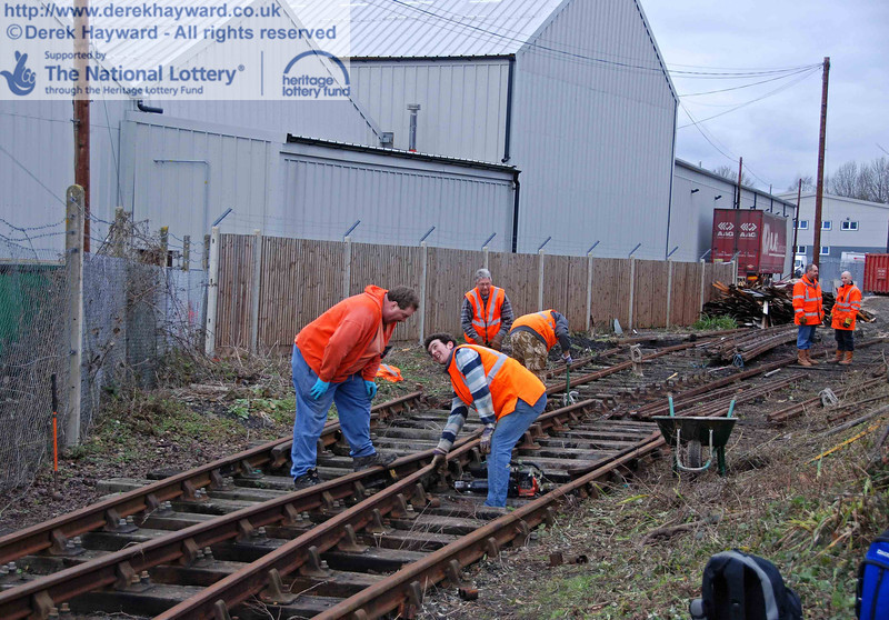 The PWay team get to work lifting the Woodpax sidings. 24.01.2010  0075