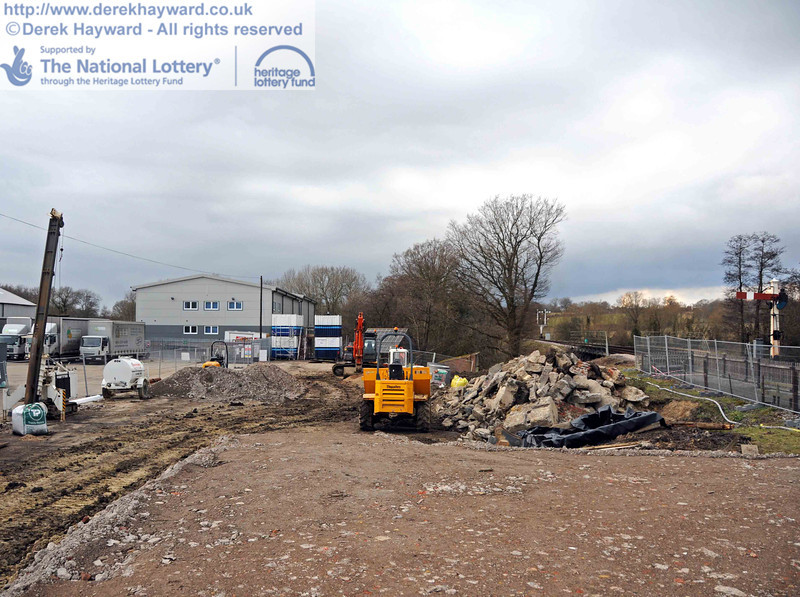 Part of the area has been levelled and compacted, using (in part) the crushed rubble pictured earlier. 20.02.2010  0672