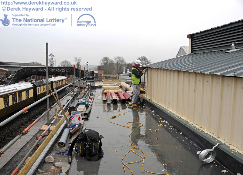 Looking south along the roof of the toilet block and the Plant Room. 15.12.2010  5462