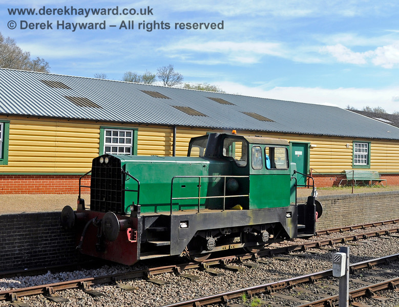 "Sentinel/Rolls-Royce/Thomas Hill 4-w Diesel-Hydraulic loco No.10241 ""Skippy"" standing in the dock at Horsted Keynes. 19.04.2015 12365"