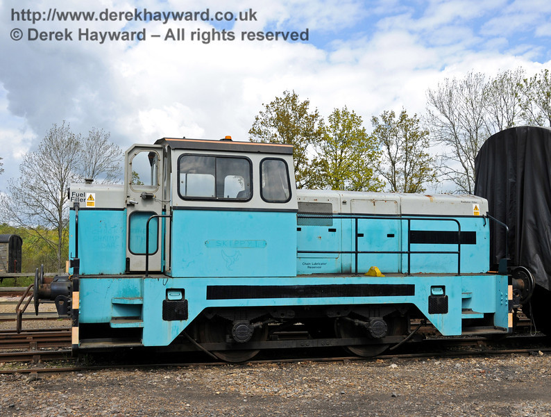 Newly arrived Sentinel/Rolls-Royce/Thomas Hill 4-w Diesel-Hydraulic loco No.10241 at Horsted Keynes.  17.05.2010  2537