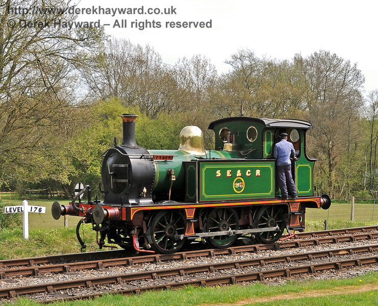 178 runs round at Kingscote. 28.04.2010  2040