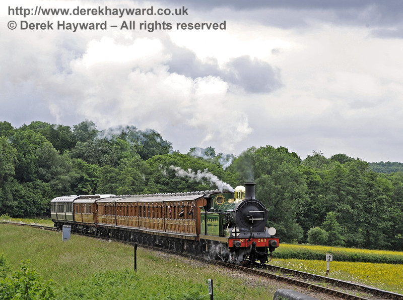 263 approaches New Road Bridge with the Victorian coaches.  23.06.2013  7444