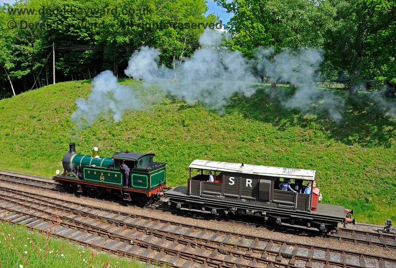 263 giving brake van rides at Horsted Keynes. 20.05.2018 18426