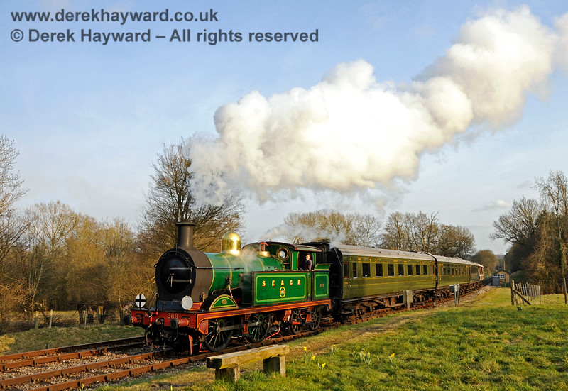 263 arrives at Kingscote. 14.03.2015 12071