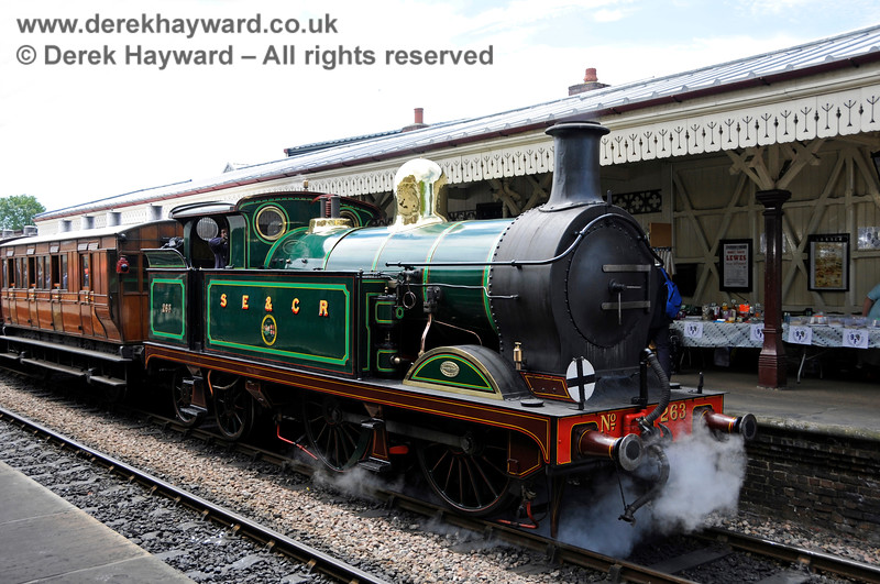 263 awaits departure from Sheffield Park on a Model Railway Weekend. 23.06.2018 18624