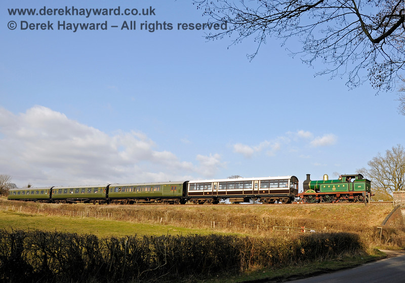 263 approaches Waterworks Bridge with a service train. 14.03.2015 12062