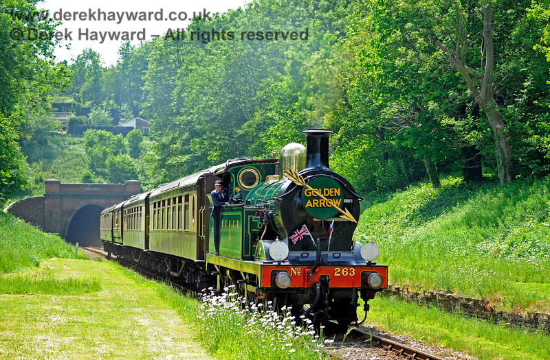 263 passes the site of the former West Hoathly station with the Golden Arrow. 28.05.2018 16607