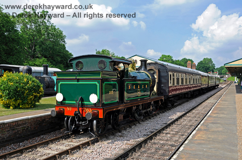 263 awaiting departure from Horsted Keynes with the Golden Arrow. 28.05.2018 18504
