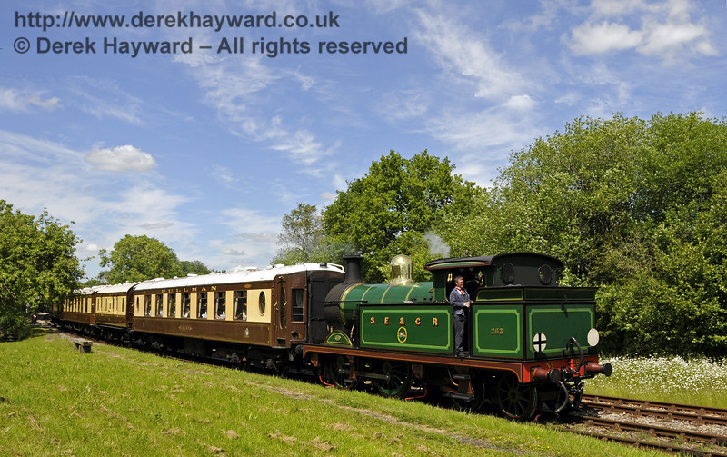 263 leaves Kingscote with the Pullman.  08.06.2014  10648