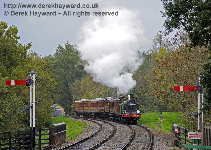 263 approaches Kingscote with a service train.  02.11.2013  8374