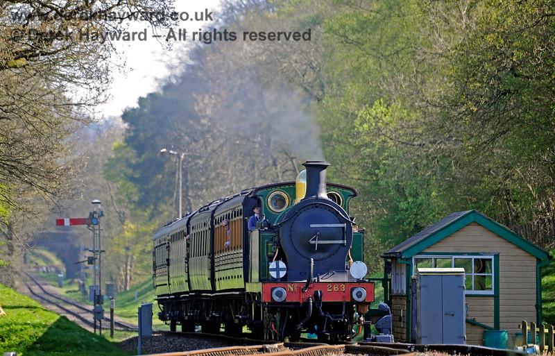 263 passes the former southern signal box at Kingscote. 09.04.2017 15034