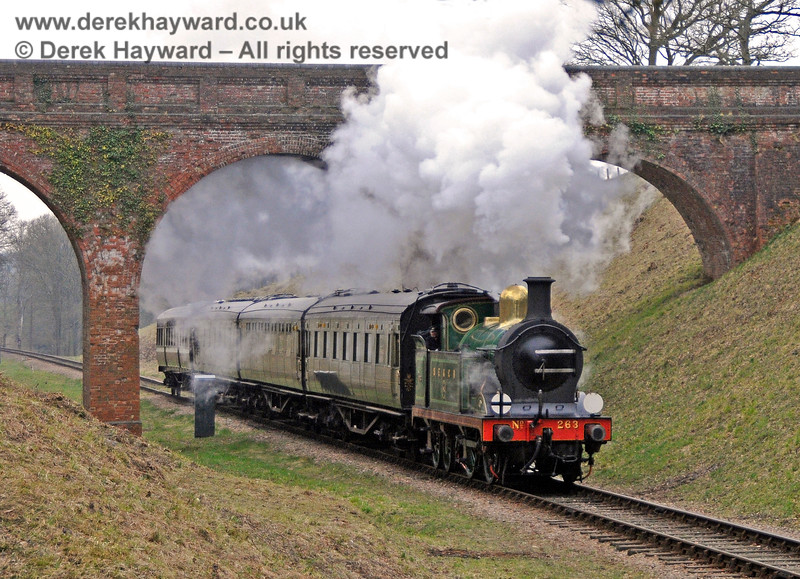263 steams through Three Arch Bridge. 14.03.2015 12051