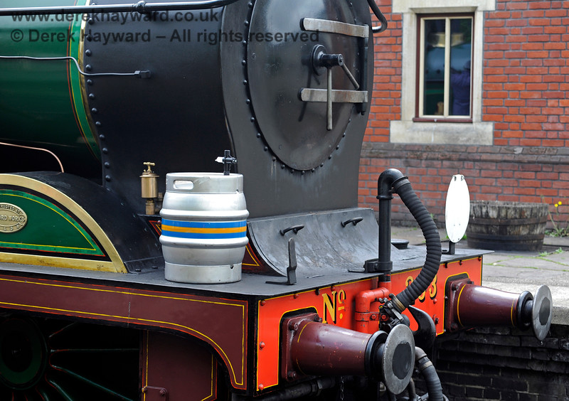 263 at Sheffield Park carrying a beer barrel, for a reason that was not immediately obvious. 27.05.2017 15466