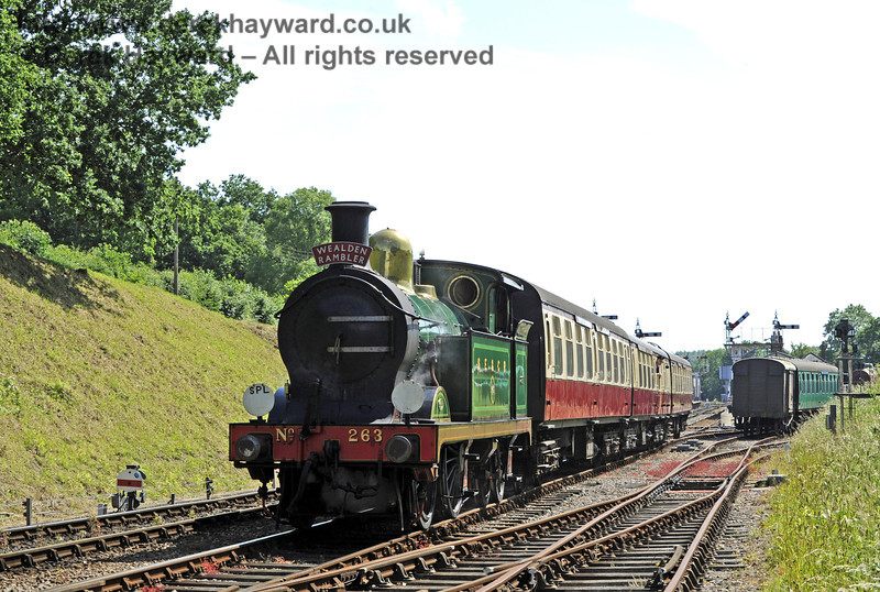 263 passes through Horsted Keynes with the Wealden Rambler.  30.06.2013  7598