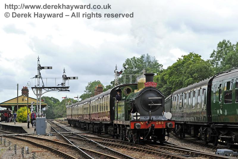263 runs through Horsted Keynes with the Wealden Rambler.  05.07.2014  9769