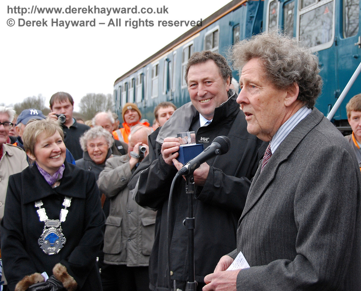 Mac Macintosh (former Engineering Director SWT) displays the mounted pound coin with which he was presented. East Grinstead 17.01.2009  92