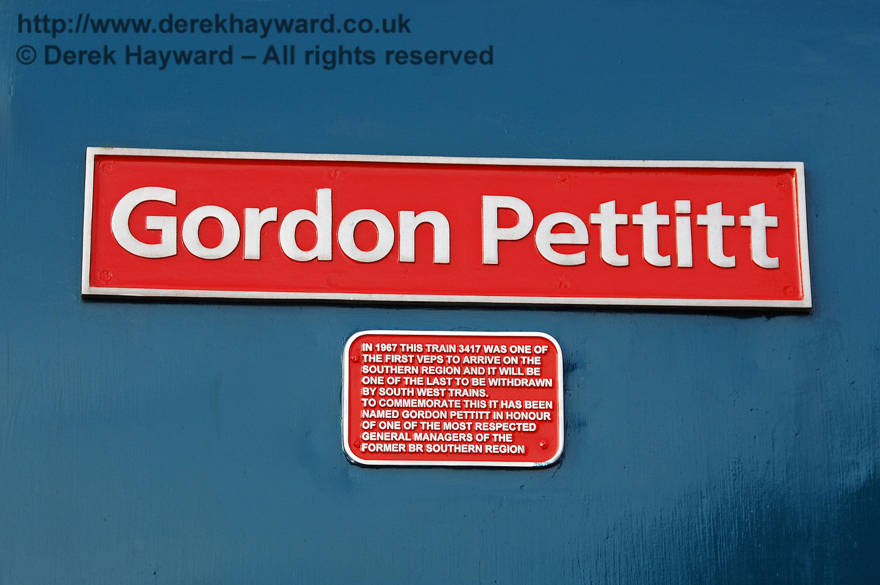 The nameplate and inscription on 4-VEP 3417 Gordon Pettitt. East Grinstead 17.01.2009  60