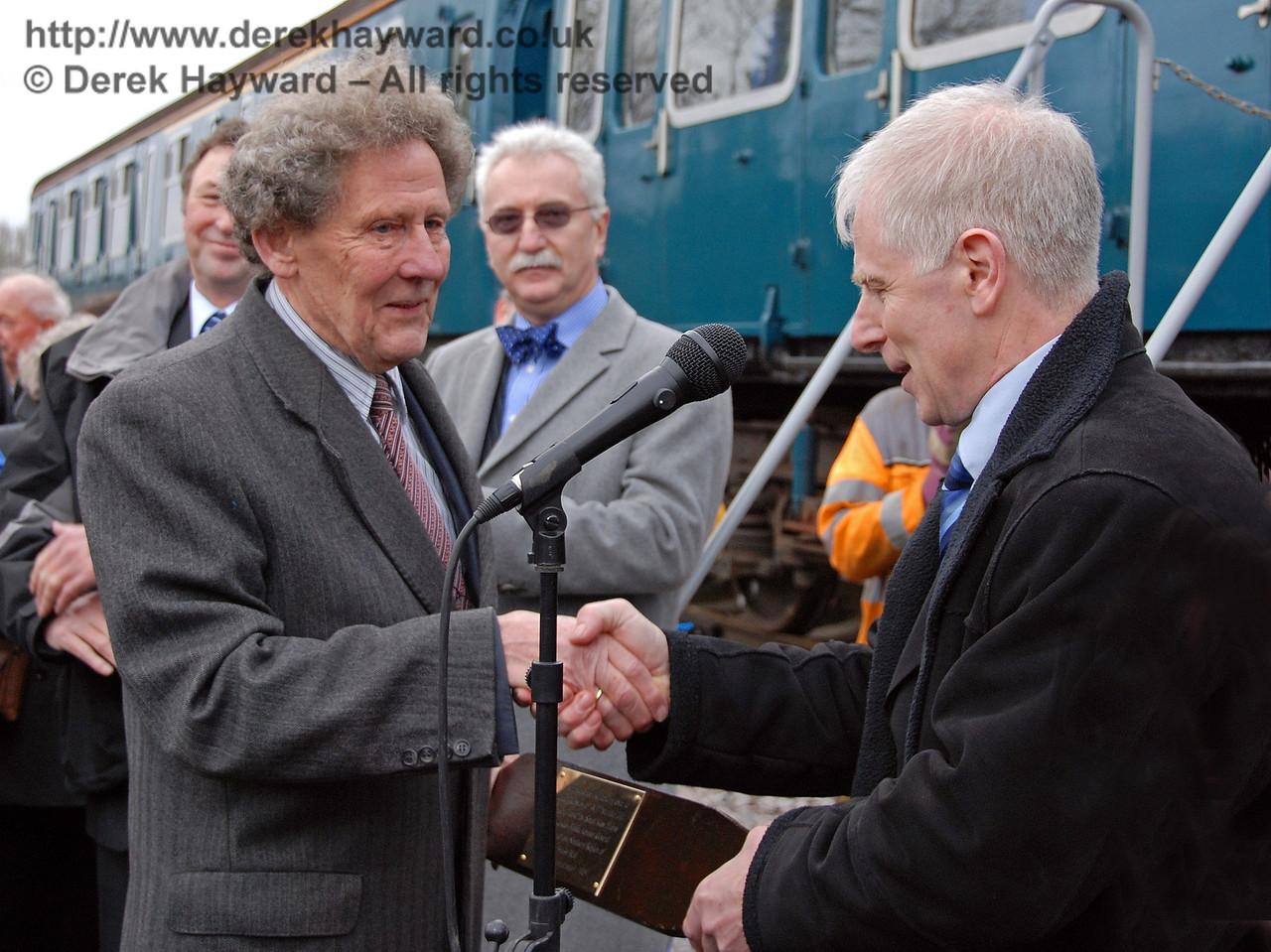 Roy Watts, Chairman, BRPS, makes a presentation to Gordon Pettitt. East Grinstead 17.01.2009  108