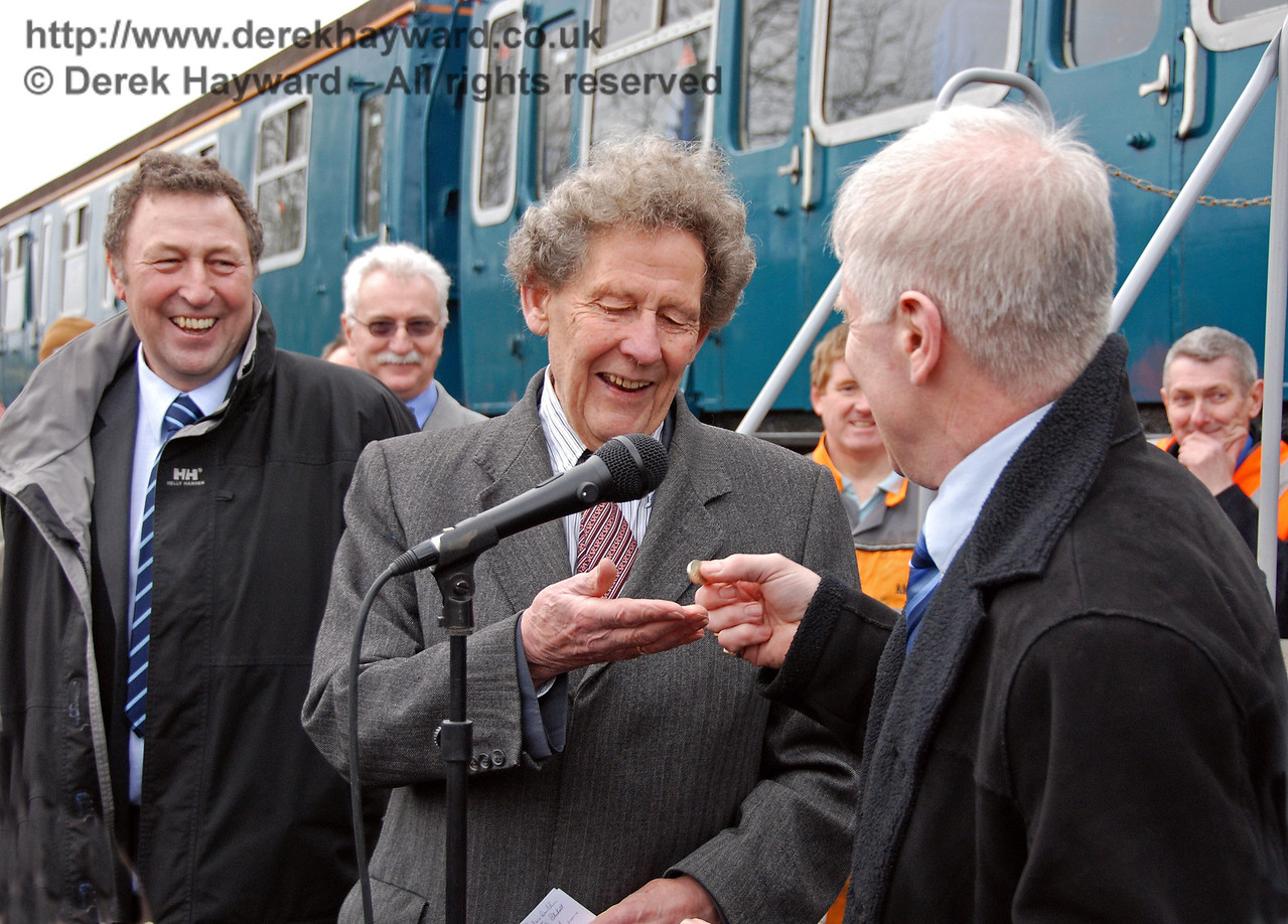 Roy Watts, Chairman, BRPS, hands over £1 in payment for 3417! East Grinstead 17.01.2009  96