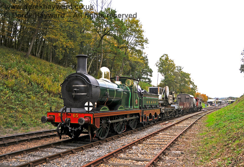 65 leaving Horsted Keynes with a goods train. 13.10.2018 18948