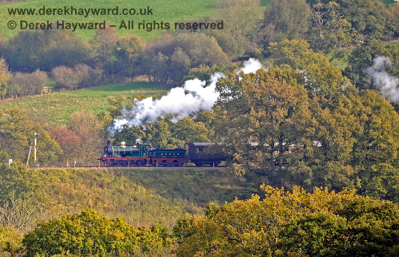 65 approaching the (second) Advance Starter north of Horsted Keynes. 24.10.2018 16838/E2