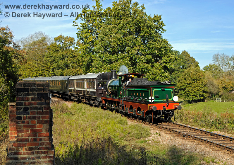 65 making it's way south from Vaux End. 24.10.2018 18986