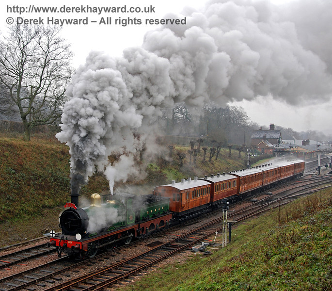 65 gives a steam display as it leaves Horsted Keynes with a Victorian Christmas train. 21.12.2006