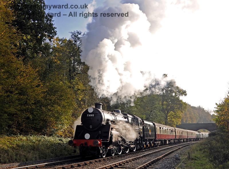 73082 steams north from Leamland Bridge. 31.10.2015 13997